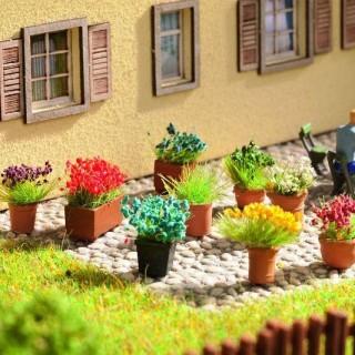 9 pots avec plantes fleuries -HO-1/87-NOCH 14031