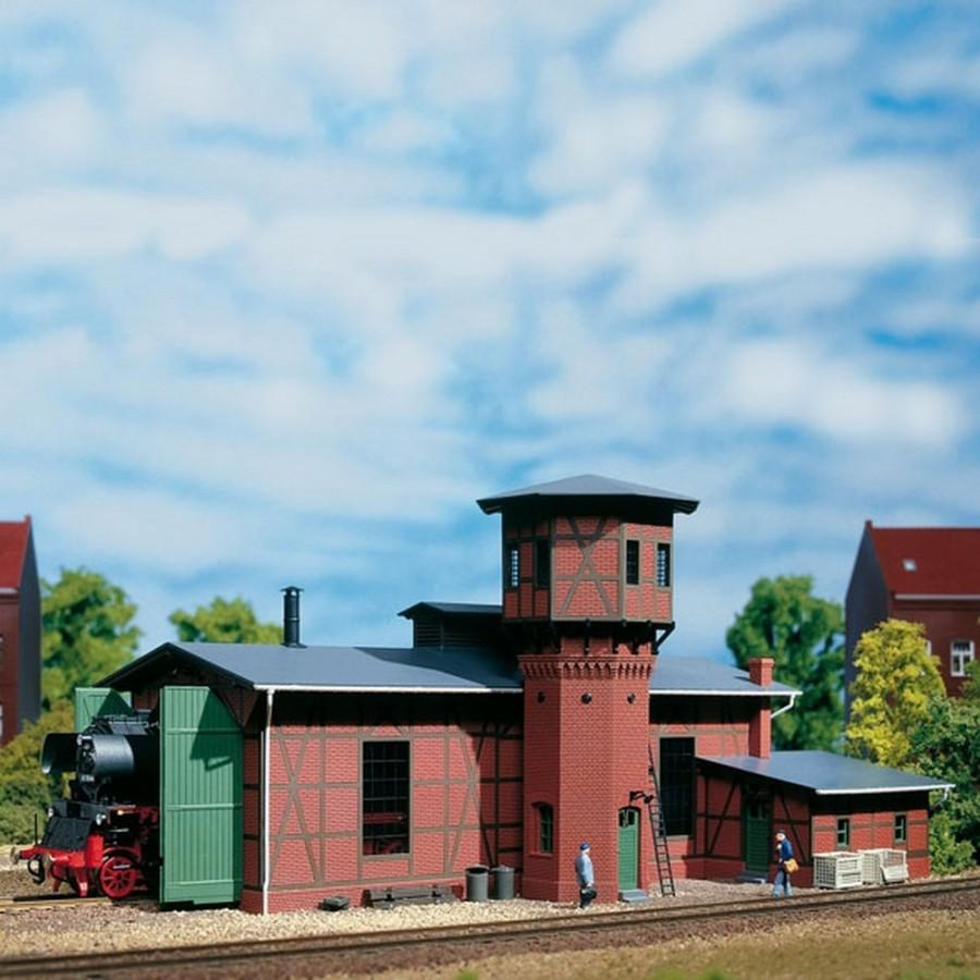 Remise pour 1 locomotive avec château d'eau-HO-1/87-AUHAGEN 11400