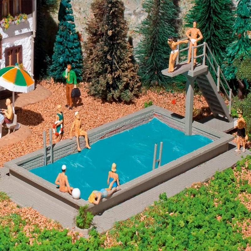 Piscine avec plongeoir vollmer 3809 ho pour mod lisme for Plongeoir de piscine