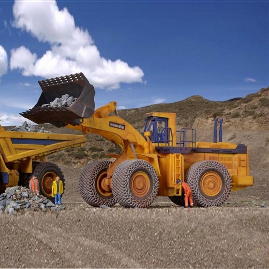 Bulldozer Komatsu WA 800-2 pour exploitation des carrières  -HO-1/87-KIBRI 11454