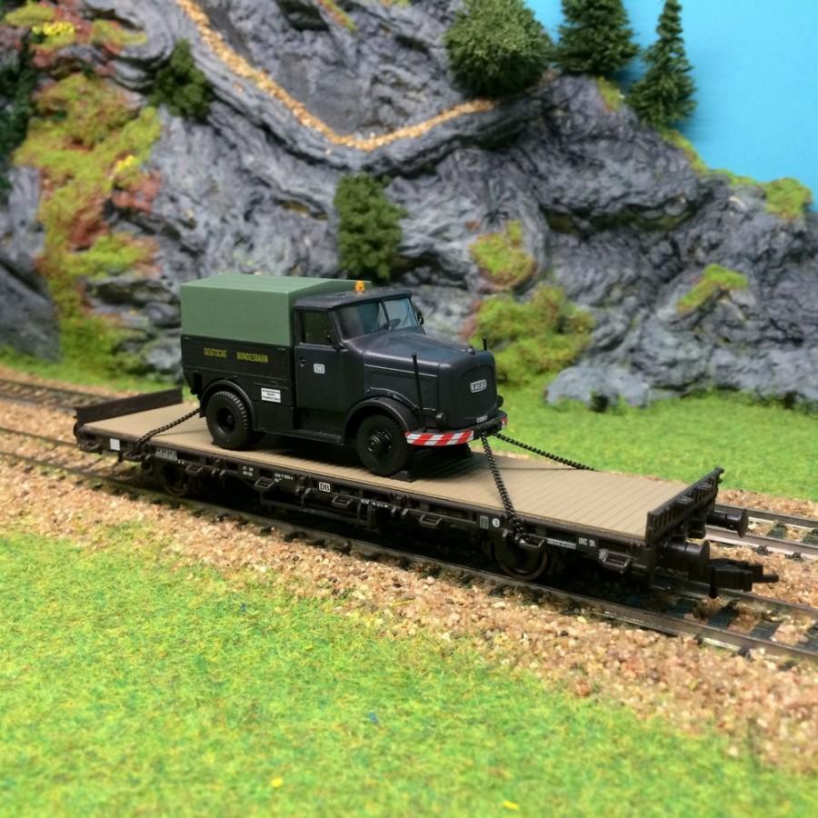 Wagon porte char avec chargement camion de la DB -HO-1/87-KIBRI 26270