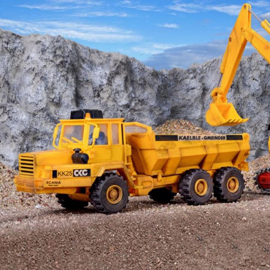 Camion articulé à benne basculante   maquette à monter  -HO-1/87-KIBRI 14022