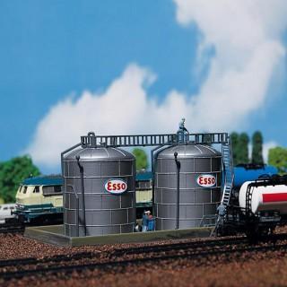 2 citernes pour dépôt pétrolier maquette à monter -N-1/160-FALLER 222131