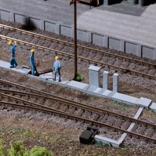 Chemin de câbles de sol avec coffrets électrique pour voie-HO-1/87-AUHAGEN 41620
