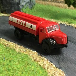 Camion Berliet GLR 8 citerne Avia -HO-1/87-BREKINA 2617