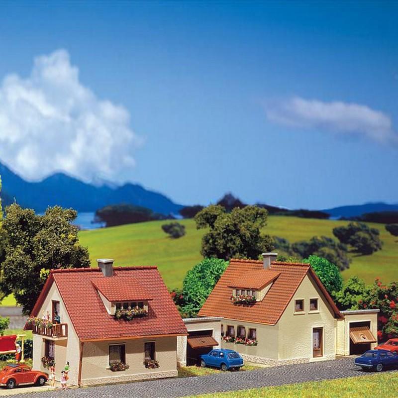 2 maisons individuelles avec garage n faller 232226 modelisme for Maisons individuelles
