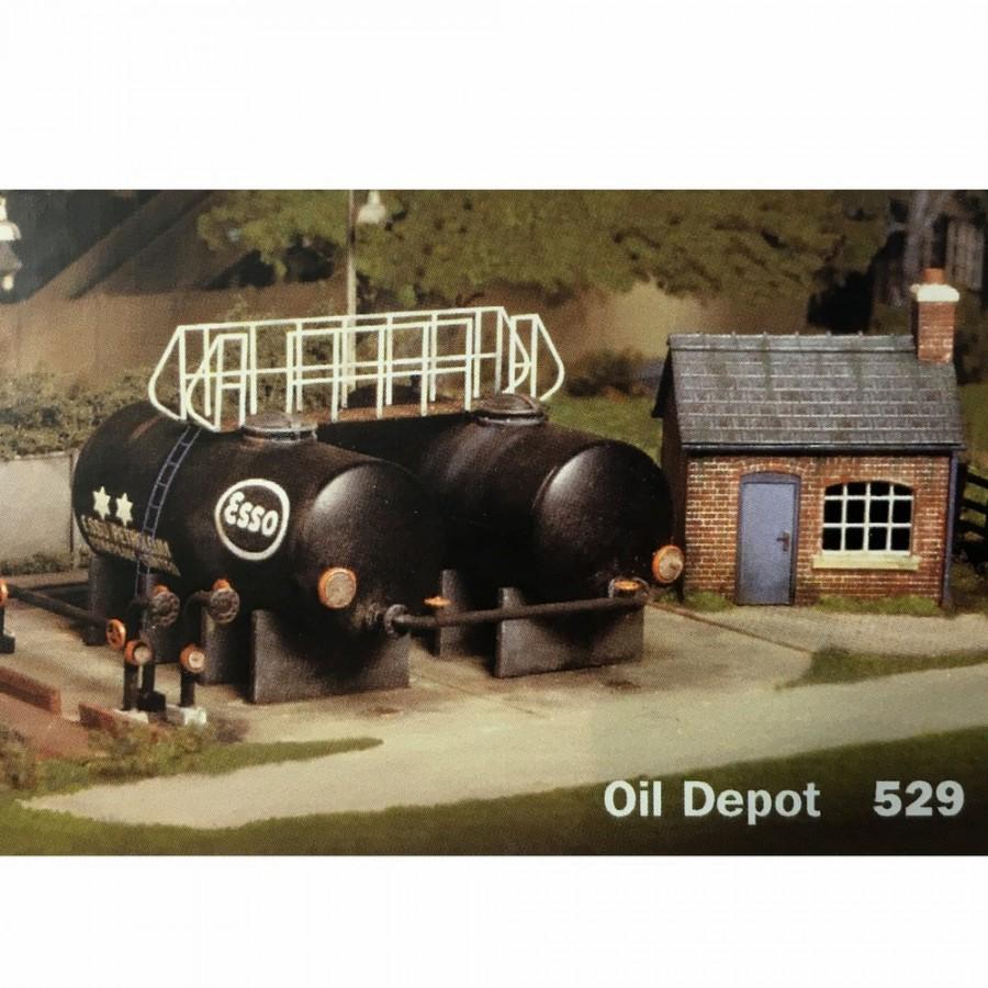 Petit dépôt de carburant avec maisonnette -HO-1/87-RATIO 529