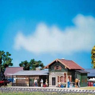 Petite gare de village ancienne-HO-1/87-FALLER 110092