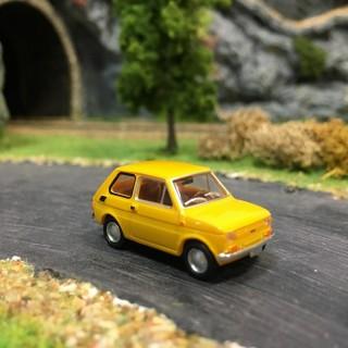 Fiat 126 jaune-HO-1/87-Drummer 22366