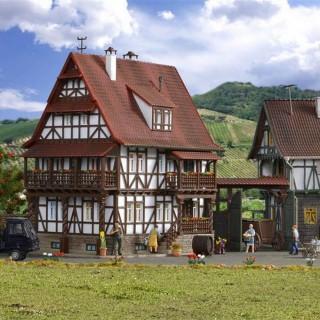 Maison à colombages à étage maquette à monter -HO-1/87-VOLLMER 43732