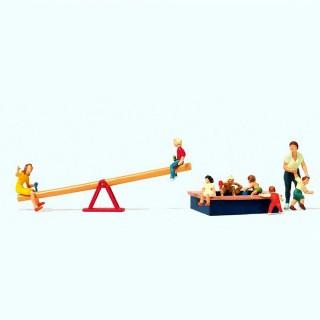Jeux d'enfants avec personnages  HO-1/87-PREISER 10587