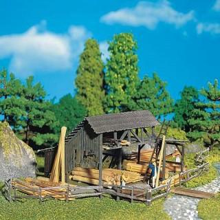 Dépôt de bois avec abri-HO-1/87-FALLER 130288