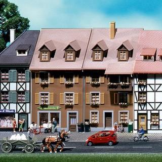 2 demi-maisons de ville 1 face -HO-1/87-FALLER 130432