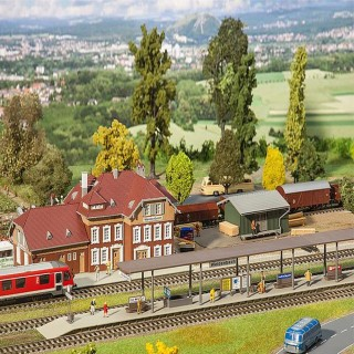 Coffret avec Gare, Quais et Halle marchandises -HO-1/87-FALLER 190288