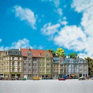 4 immeubles de ville avec commerce -HO-1/87-FALLER 130915