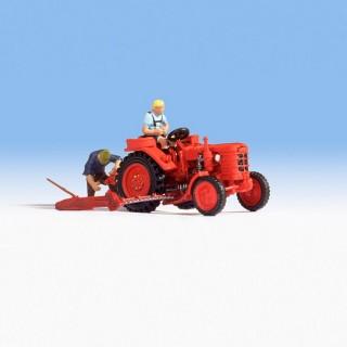Ancien tracteur avec 2 personnages -HO-1/87-NOCH 16756
