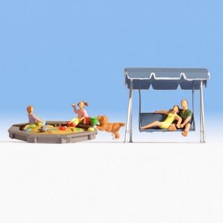 Balancelle et bac à sable avec personnages -N-1/160-NOCH 36590