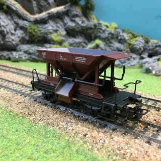 Wagon Trémie DB époque V -HO-1/87-MARKLIN 44610