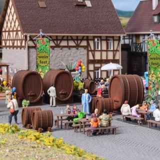 9 barriques (foudres) à vin 2 tailles -HO-1/87-VOLLMER 45246