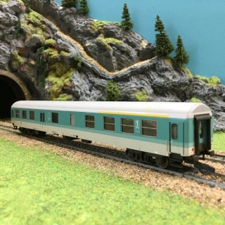 Voiture voyageurs DB 1ere Classe - HO -1/87-DEP17-401