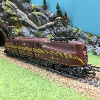 Locomotive GG1 4929 Pennsylvania USA-HO-1/87-RIVAROSSI 1664 DEP76 010