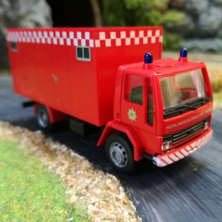 Ford Cargo Koffer pompiers-HO-1/87-RIETZE 60106