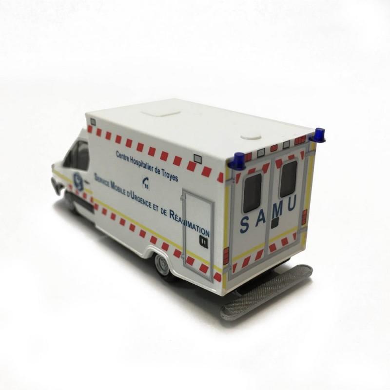 Mercedes samu-ho-1//87-61799 rietze