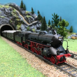 Locomotive BR 15 + 3 voitures express ep II digitale son-HO-1/87-MARKLIN 26607