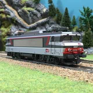 Locomotive BB22347 ép V-VI digitale son SNCF-HO-1/87-ROCO 73882