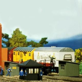 3 Cabanes de voie ferrée-HO-1/87-FALLER 133 DEP17-528