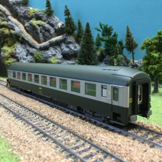 Voiture UIC B9 couchettes NORD ép IV SNCF-HO-1/87-R37 42107
