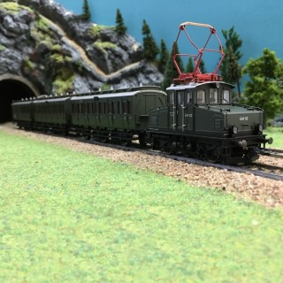 Coffret ép III train E69 + 3 voitures digitale son 3R-HO-1/87-MARKLIN 26195