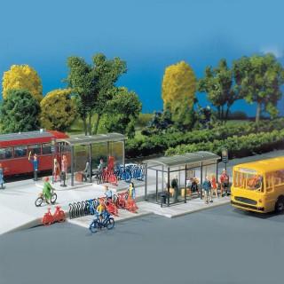2 Arrêts de bus et 2 garage à vélos-HO-1/87-FALLER 180553
