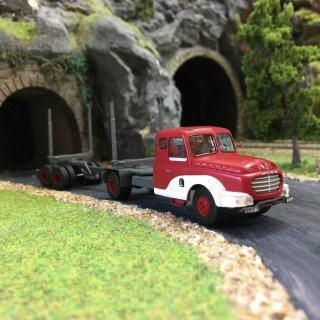 Camion Willeme Porte-Grumes-HO-1/87-REE CB-068