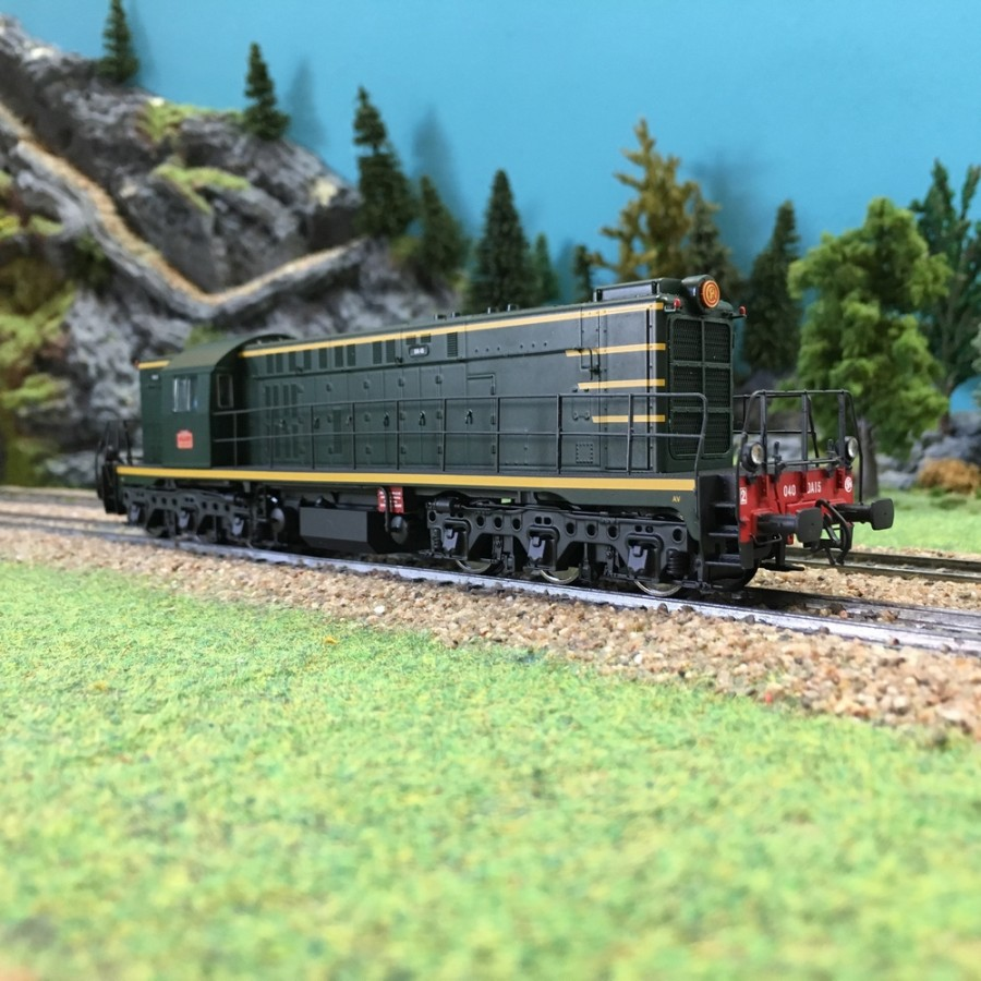 """Locomotive A1A 62000 """"YAYA"""" SNCF-HO-1/87-MABAR 82037"""
