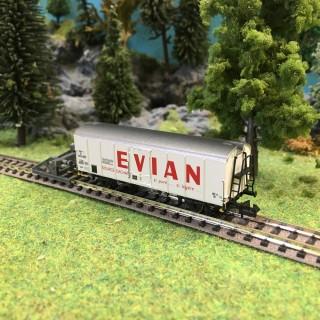 "Wagon couvert ""Evian"" ép III SNCF-N 1/160-BRAWA 67109"