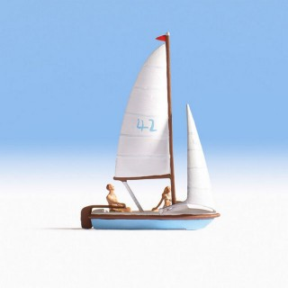 Petit bateau à voiles + personnages-HO-NOCH 16824