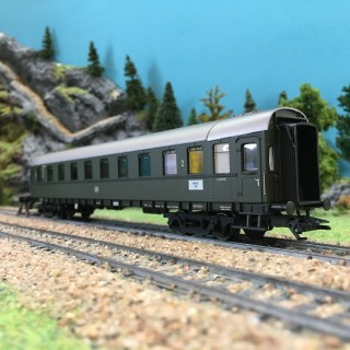 """Voiture voyageurs """"Pike"""" Train Express CL2 ép III-HO 1/87-MARKLIN 42255"""