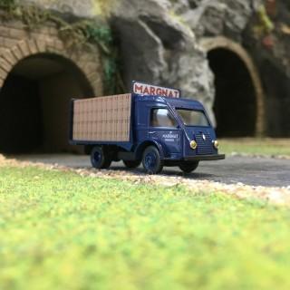 Camion Renault 2.5t Vins Margnat-HO 1/87-SAI RETRO 87 3579