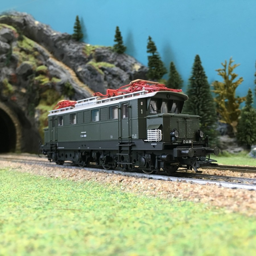 Locomotive E44 ép III DB digitale son-HO 1/87-TRIX 22710