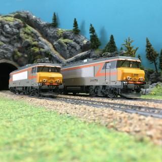 Coffret 2 locomotives BB22200 Dijon-Perrigny Ep V-VI SNCF-HO 1/87-LSMODELS 10052