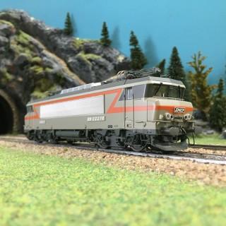 Locomotive BB22200 Dijon-Perrigny Ep IV SNCF-HO 1/87-LSMODELS 10435