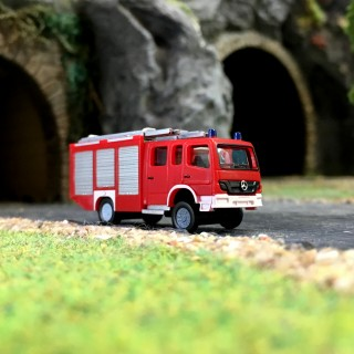 Camion Mercedes Atego HLF Pompiers-N 1/160-HERPA 066716