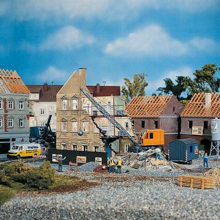 Maison en démolition + Excavateur-HO 1/87-FALLER 130466