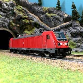 Locomotive BR147 Ep VI DB AG-HO 1/87-PIKO 51580