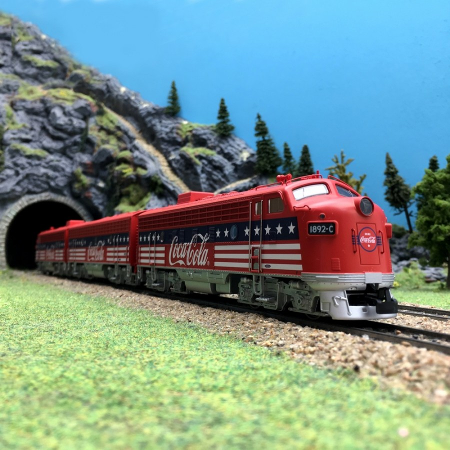 "Locomotive General Motors EMD F7 ""Coca-Cola"" digital son 3R-HO-1/87-MARKLIN 39622"