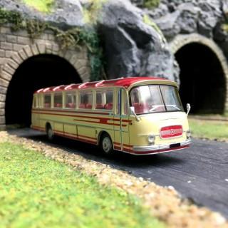 Bus Setra S12 Rouge-HO-1/87-Starline Models 58204