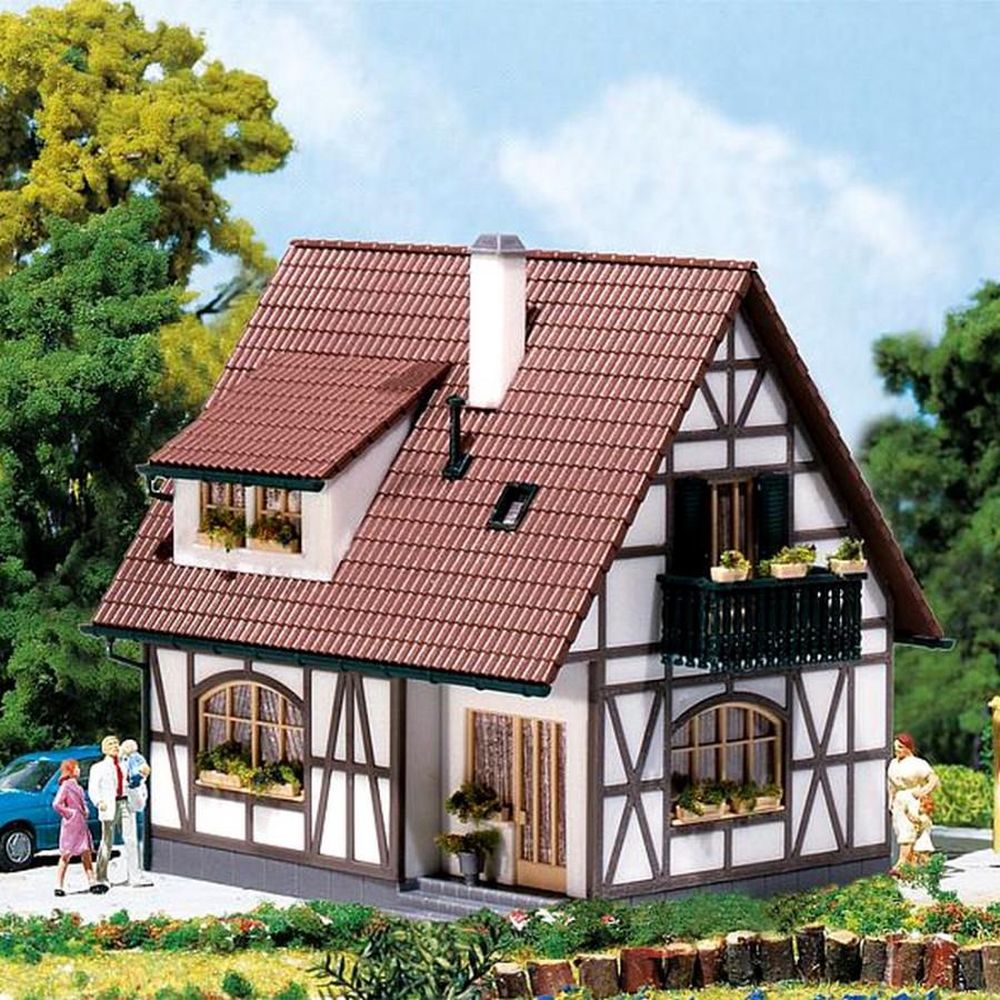 Maison Typique à colombages-HO 1/87-FALLER 130257