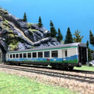 """Voiture VTU Sru """"Montagnes Bleues"""" SNCF Ep V-VI-HO 1/87-LSMODELS 40999"""
