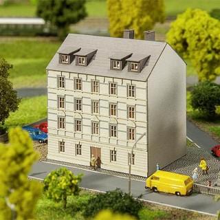 Petit immeuble 3 étages-Z 1/220-FALLER 282780